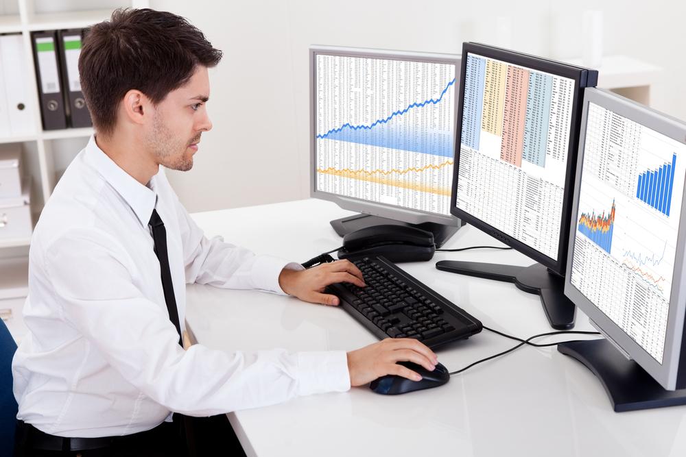 تحلیل گر هوش تجاری